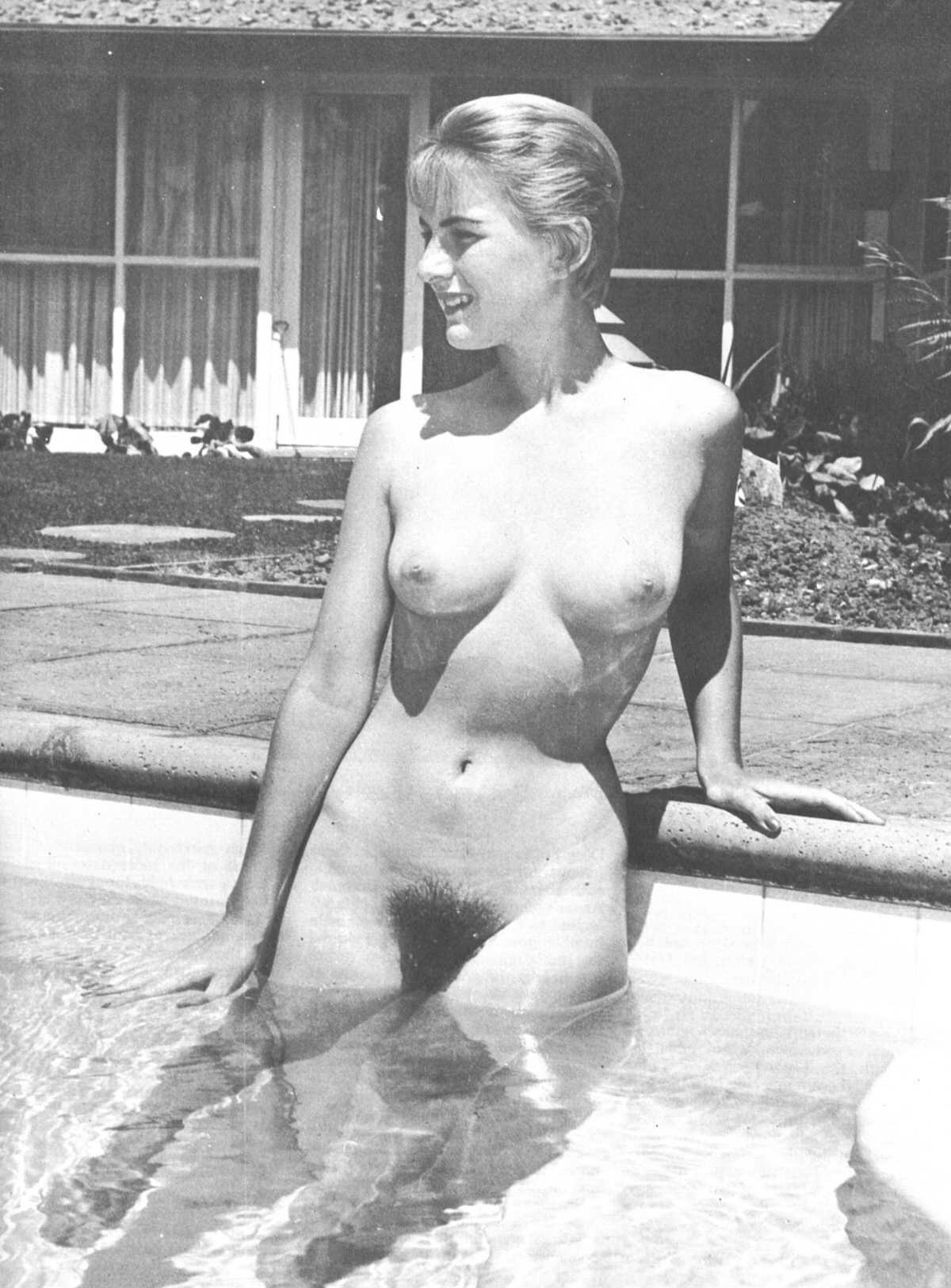 nude swimming videos